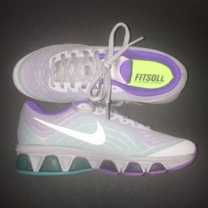 check out 51441 fbde8 Nike Shoes - Nike Air Max Tailwind 6 Running Shoes - Size 6